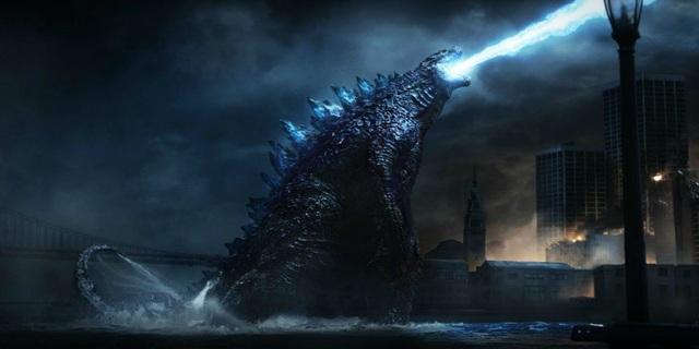 """Bên cạnh vũ trụ kinh dị """"Conjuring"""", Warner Bros còn sở hữu một vũ trụ nữa là tập hợp những con quái vật kinh khủng nhất được tái hiện trên màn ảnh của nhân loại. Trong đoạn after-credit của Kong: Skull Island (2017) hé lộ những cái tên """"sừng sỏ"""" như Mothra, Rodan và King Ghidorah. Chúng sẽ có màn đại chiến với chúa tể Godzilla trong mùa hè năm nay."""