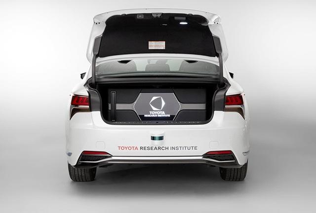 Toyota hân hoan giới thiệu thành tựu mới cho xe tự lái: Cốp rộng hơn - Ảnh 7.