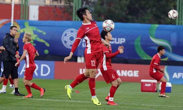 """HLV Park Hang Seo cho các cầu thủ tập """"bài lạ"""" chờ đấu Iraq - Ảnh 12."""