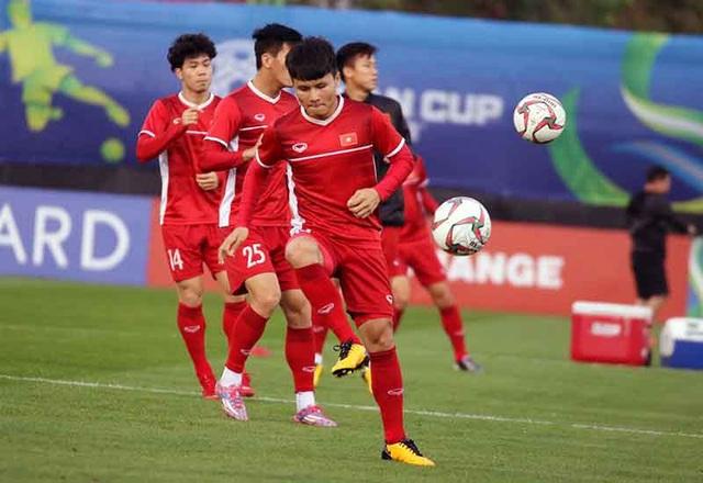 """HLV Park Hang Seo cho các cầu thủ tập """"bài lạ"""" chờ đấu Iraq - Ảnh 7."""