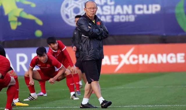 """HLV Park Hang Seo cho các cầu thủ tập """"bài lạ"""" chờ đấu Iraq - Ảnh 4."""