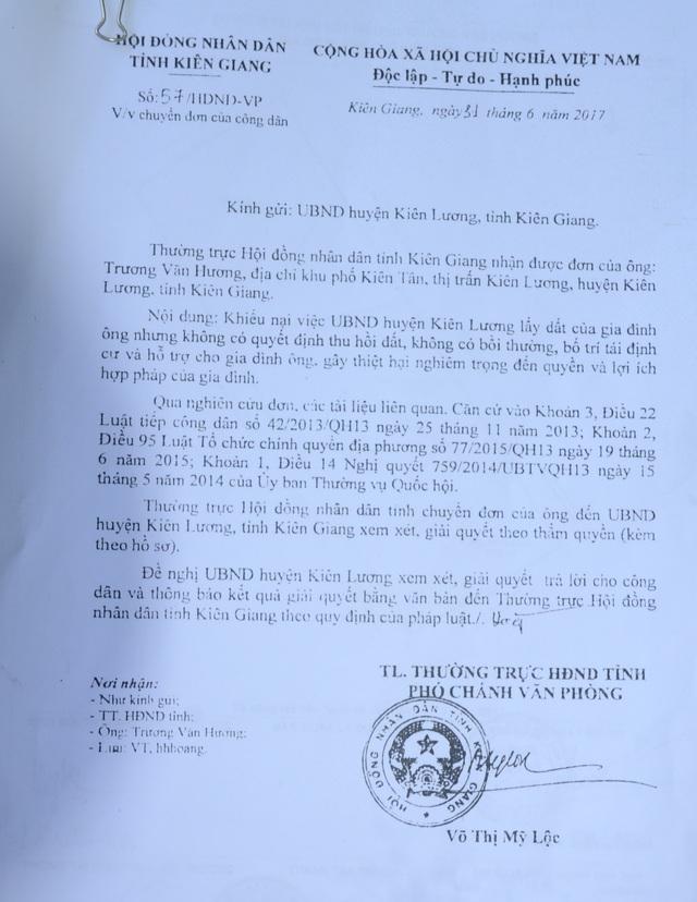 Vụ việc khiếu nại của ông Trương Văn Hương đến nay vẫn chưa được UBND huyện Kiên Lương giải quyết mặc dù có nhiều văn bản từ HĐND, UBND tỉnh chỉ đạo UBND huyện Kiên Lương xem xét, giải quyết cho ông Hương