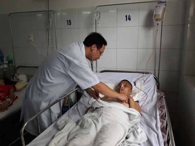 Bệnh của chị Miên còn phải điều trị lâu dài và tương lai của đứa con gái chị đang học lớp 7 cũng trở nên mờ mịt