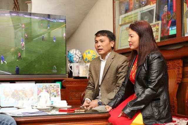 Bố mẹ Quang Hải gửi viện trợ lương thực, dặn con điều quan trọng trước thềm Asian Cup - Ảnh 1.