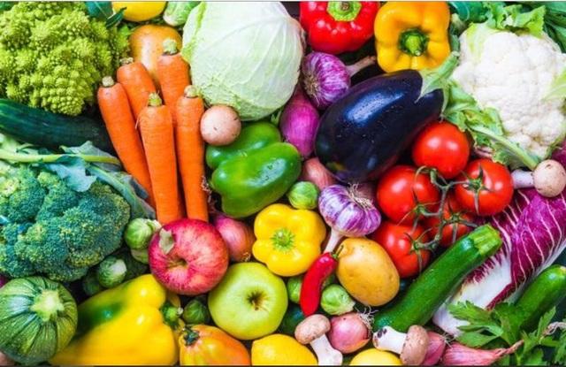 Tại sao cho trẻ ăn theo chế độ ăn chay có thể gây rủi ro? - Ảnh 1.