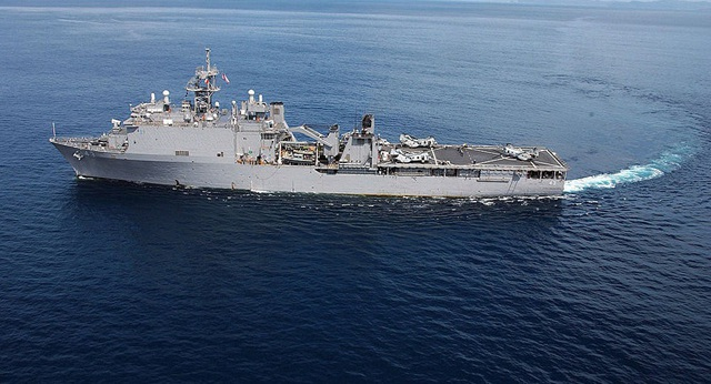 Tàu USS Fort McHenry của Mỹ. (Ảnh: Sputnik)