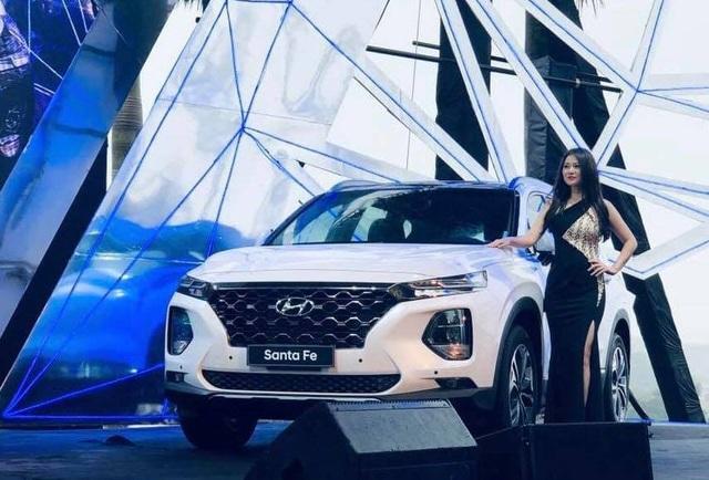 Hyundai Santa Fe 2019 chính thức ra mắt, giá từ 995 triệu đồng - Ảnh 9.