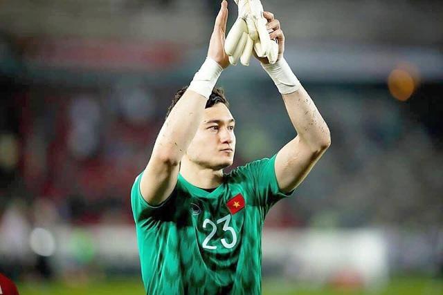 Minh Vương lên tiếng bênh vực thủ môn Văn Lâm - Ảnh 2.