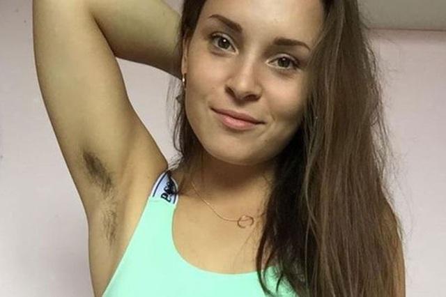 Phong trào nuôi lông cơ thể của phụ nữ trẻ Anh - Ảnh 1.