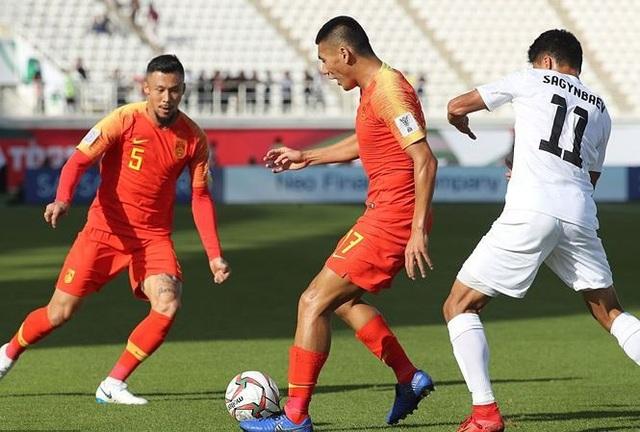 Vì sao đội tuyển Trung Quốc mất nửa đội hình chính? - Ảnh 2.