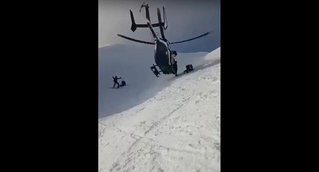 Xem trực thăng giải cứu ngoạn mục người leo núi trên đỉnh An-pơ - Ảnh 2.