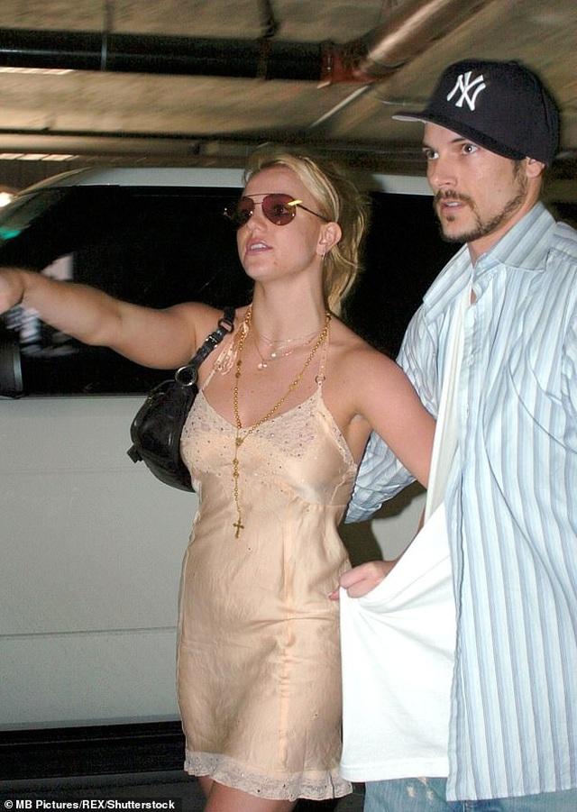 Britney Spears cầu mong fan không lãng quên mình - 4