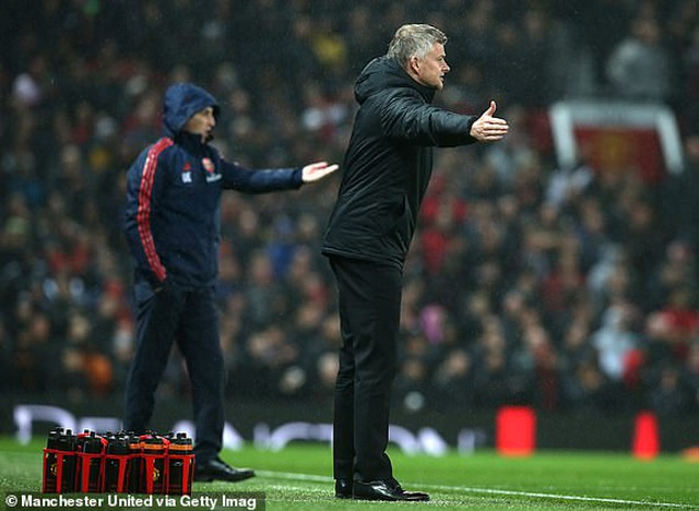 Man Utd 1-1 Arsenal: Chia điểm, chia thất vọng - 19