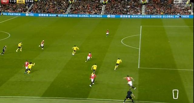 Man Utd 1-1 Arsenal: Chia điểm, chia thất vọng - 20