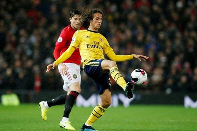 Man Utd 1-1 Arsenal: Chia điểm, chia thất vọng - 16