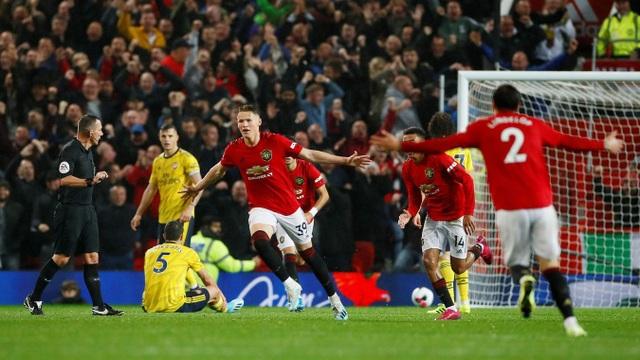Man Utd 1-1 Arsenal: Chia điểm, chia thất vọng - 1