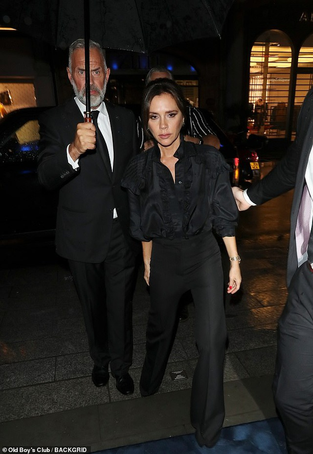 Victoria Beckham thanh lịch bên chồng điển trai - 5