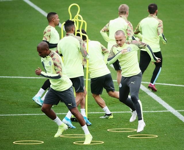 De Bruyne bất ngờ vắng mặt trên sân tập của Man City - 7