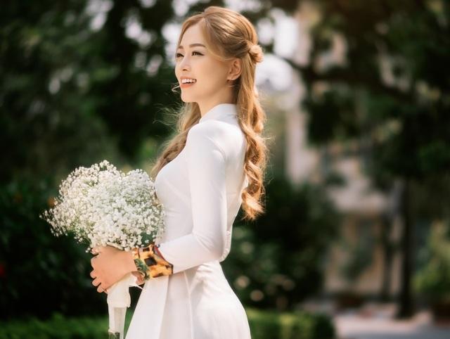 Á hậu Bùi Phương Nga đẹp dịu dàng trong bộ ảnh chia tay thời sinh viên - 7