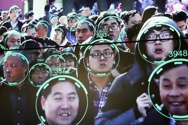 Trung Quốc giám sát người dân bằng siêu camera 500MP - 2