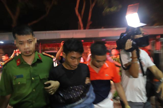 Di lý 2 nghi phạm sát hại nam sinh chạy Grab về tới Hà Nội  - 1
