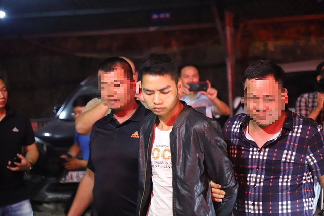 Di lý 2 nghi phạm sát hại nam sinh chạy Grab về tới Hà Nội  - 2