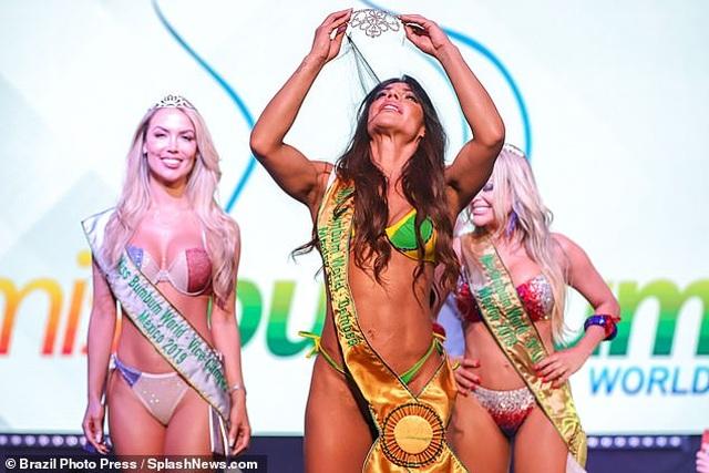 Hé lộ cô gái có vòng ba đẹp nhất thế giới - 4