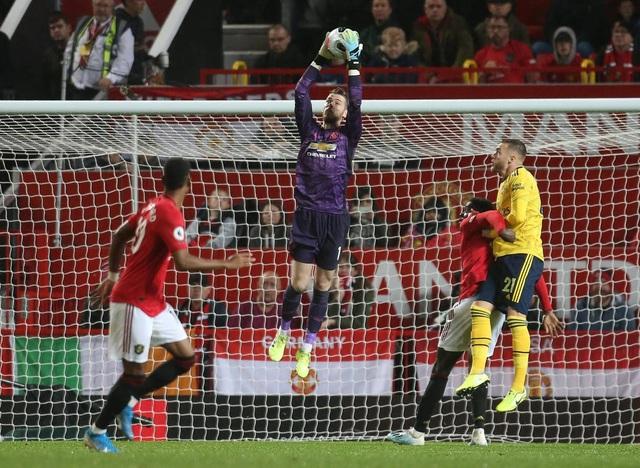 Những khoảnh khắc chia điểm thất vọng giữa Man Utd và Arsenal - 13