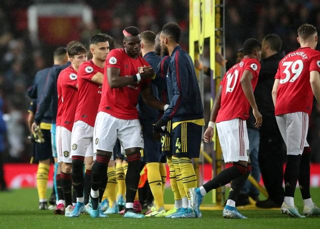 Những khoảnh khắc chia điểm thất vọng giữa Man Utd và Arsenal - 3