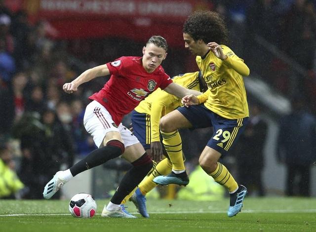 Những khoảnh khắc chia điểm thất vọng giữa Man Utd và Arsenal - 9
