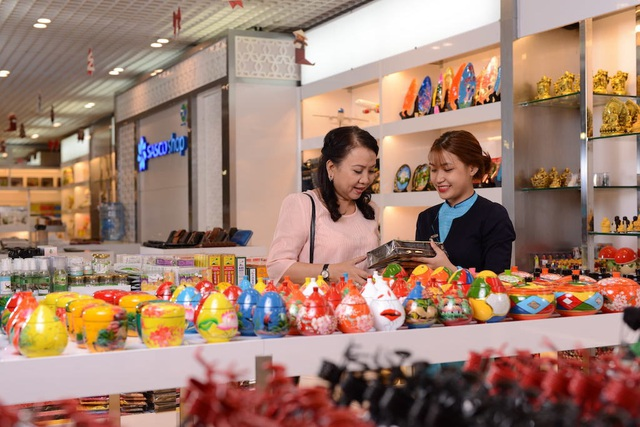 """""""Phải lòng"""" nơi mua sắm đặc sắc tại sân bay Tân Sơn Nhất - 2"""
