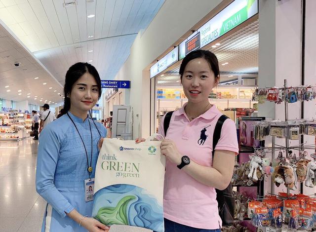 """""""Phải lòng"""" nơi mua sắm đặc sắc tại sân bay Tân Sơn Nhất - 4"""