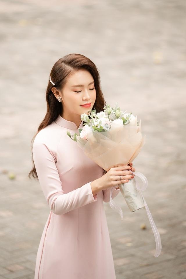 """""""Cô gái vàng"""" của làng Hoa hậu Việt Nam tốt nghiệp ĐH Ngoại thương loại xuất sắc - 3"""