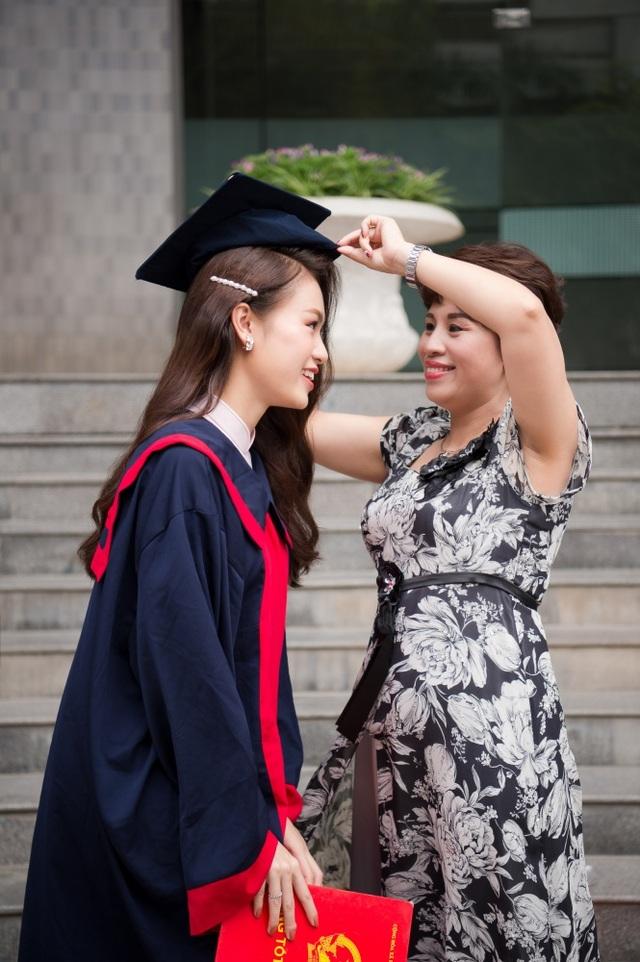 """""""Cô gái vàng"""" của làng Hoa hậu Việt Nam tốt nghiệp ĐH Ngoại thương loại xuất sắc - 8"""