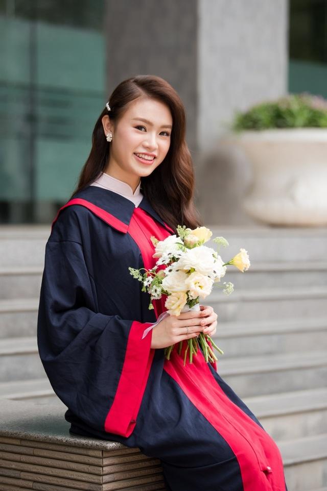 """""""Cô gái vàng"""" của làng Hoa hậu Việt Nam tốt nghiệp ĐH Ngoại thương loại xuất sắc - 12"""