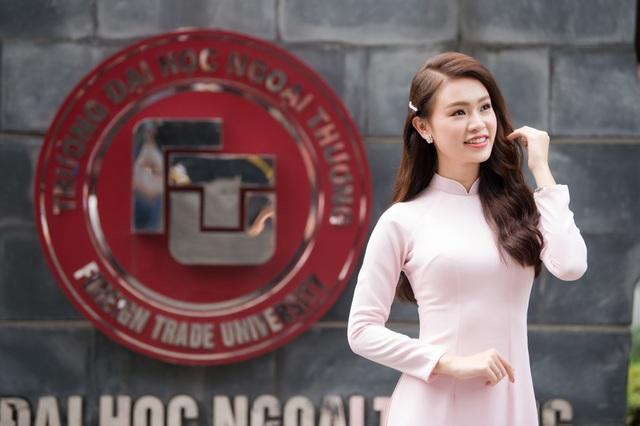 """""""Cô gái vàng"""" của làng Hoa hậu Việt Nam tốt nghiệp ĐH Ngoại thương loại xuất sắc - 4"""