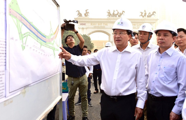 """Phó Thủ tướng: Người dân """"sốt ruột"""" về các dự án giao thông mãi không... thông! - 1"""