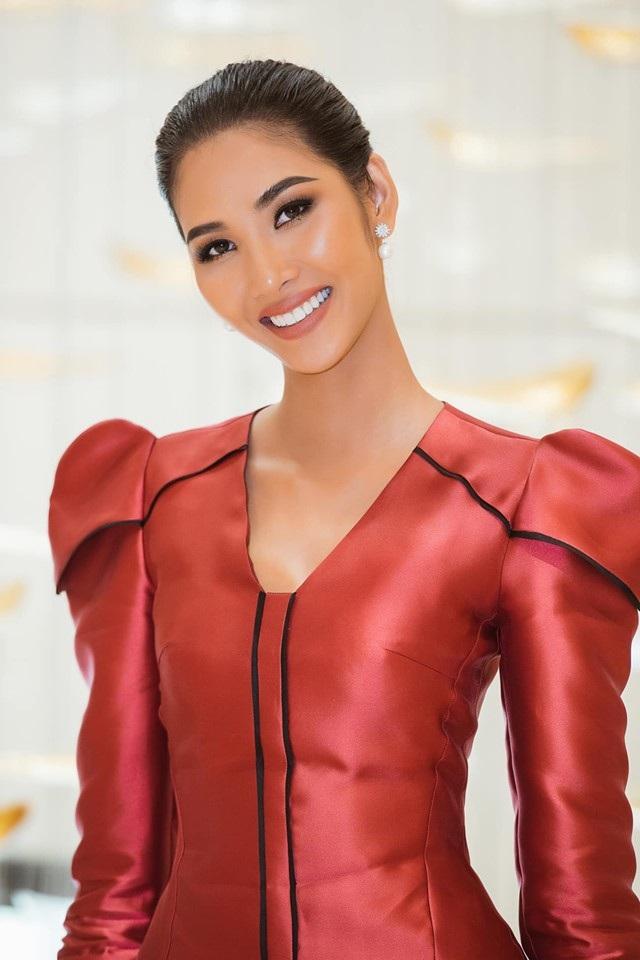 """Hoàng Thuỳ khoe nhan sắc """"lên hương"""" nhờ chỉnh răng trước thềm Miss Universe 2019 - 1"""