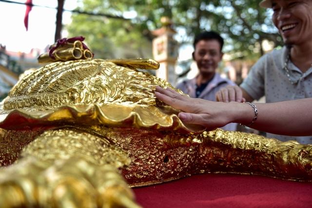 Mục sở thị cụ rùa mạ vàng 9999, giá trăm triệu đồng không bán - 11