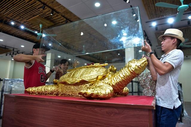 Mục sở thị cụ rùa mạ vàng 9999, giá trăm triệu đồng không bán - 15
