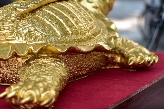 Mục sở thị cụ rùa mạ vàng 9999, giá trăm triệu đồng không bán - 3