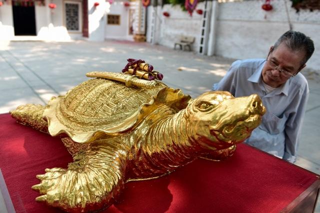 Mục sở thị cụ rùa mạ vàng 9999, giá trăm triệu đồng không bán - 5