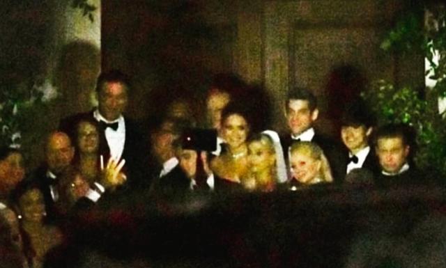 Justin Bieber hôn môi bà xã Hailey Baldwin say đắm trong hôn lễ thế kỷ - 3