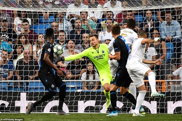 """Casemiro ghi bàn, Real Madrid """"hút chết"""" trước Club Brugge - 9"""