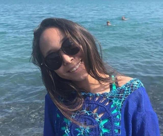 Cô bé 14 tuổi tử nạn vì nổ điện thoại khi đang cắm sạc - 1