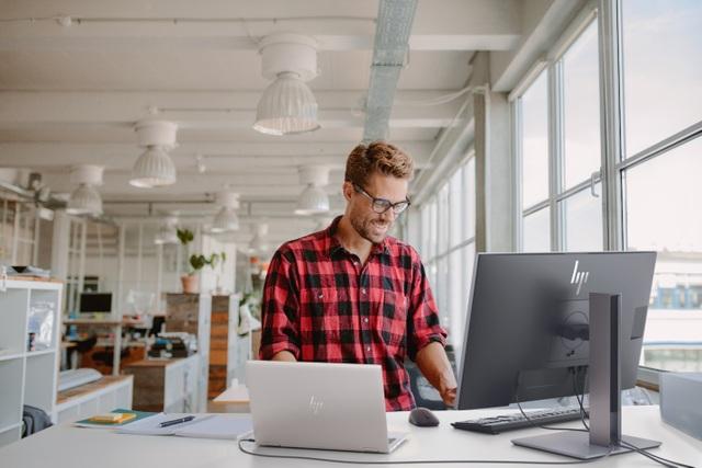 Để nhân viên tăng hiệu suất làm việc, doanh nghiệp cần một văn phòng hiện đại lấy con người làm trọng tâm - 1