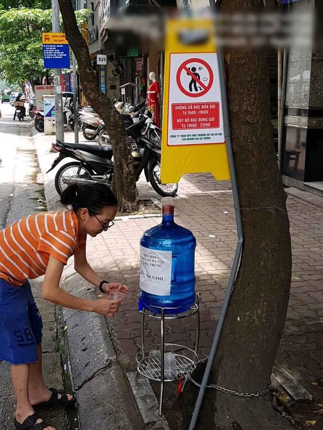 Hà Nội: Xem xét chuyển thùng rác gây ô nhiễm đi nơi khác - 5
