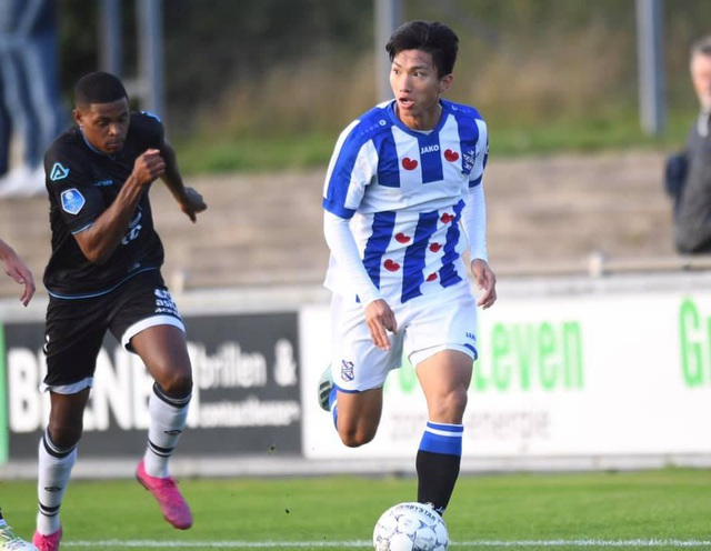 Đoàn Văn Hậu được HLV Jansen khen sau trận đấu của đội trẻ Heerenveen