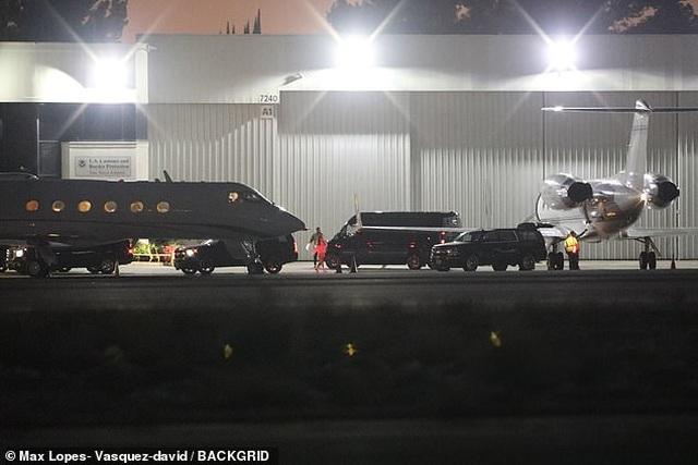 Justin và Hailey Bieber trở về nhà sau đám cưới toàn sao - 6