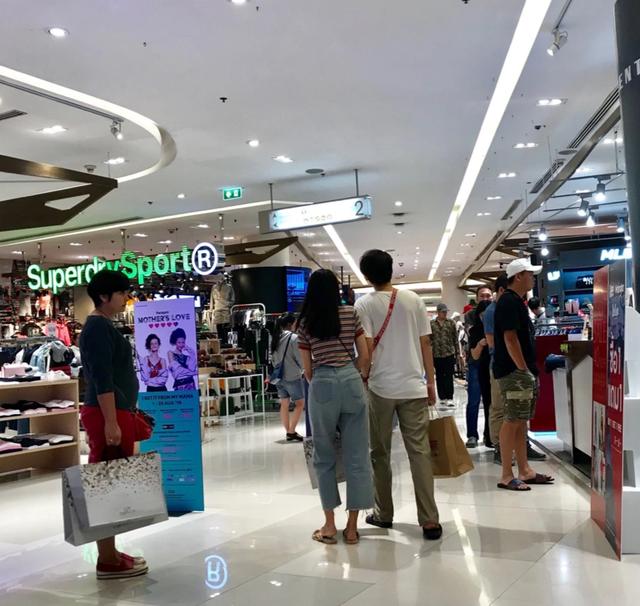 Đi du lịch nước ngoài: Người Việt vẫn nặng tâm lý quà cáp - 4